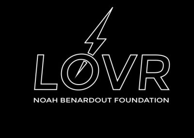 lovr-three_05